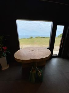 欅巨木一枚板輪切りが長崎・中瀬草原キャンプ場へ20200421-2