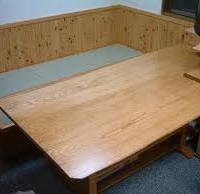 お客様の作品 栗耳付板三枚矧ぎの打合せテーブル