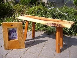 とっこやさん常連のお客様、奈良県の徳山様より作品の写真をお送りいただきました。当店のケヤキ材を天板としてご使用になり「欅の小机」をご製作になりました。
