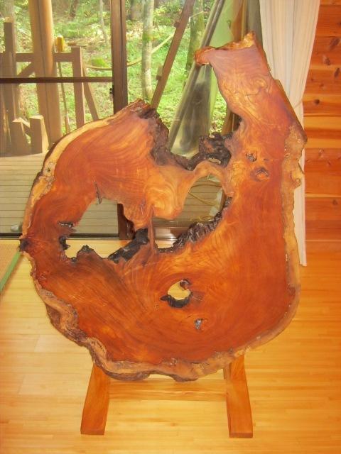 欅老木輪切りの衝立が完成しました