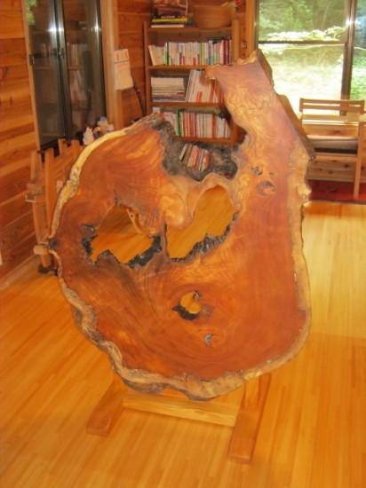 欅老木輪切りの衝立が完成しました7