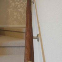 銘木丸棒納品事例「ブラックウォルナット丸棒の階段手摺」